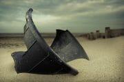 Beachcombing /  [dear liza.jpg nggid03297 ngg0dyn 180x0 00f0w010c010r110f110r010t010]