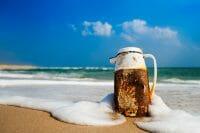 Beachcombing /  [morning coffee.jpg nggid03312 ngg0dyn 200x0 00f0w010c010r110f110r010t010]