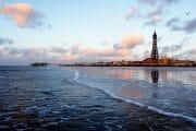 The Fylde Coast /  [beach combing north 2.jpg nggid03936 ngg0dyn 180x0 00f0w010c010r110f110r010t010]