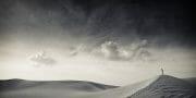 Dubai /  [desert tracks 2.jpg nggid03491 ngg0dyn 180x0 00f0w010c010r110f110r010t010]