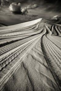 Dubai /  [desert tracks 4.jpg nggid03494 ngg0dyn 200x0 00f0w010c010r110f110r010t010]