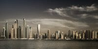 Dubai /  [the light burns down.jpg nggid03563 ngg0dyn 200x0 00f0w010c010r110f110r010t010]