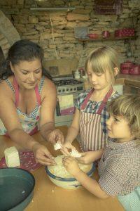 Family & Food (Bulgaria) /  [10.jpg nggid041710 ngg0dyn 200x0 00f0w010c010r110f110r010t010]