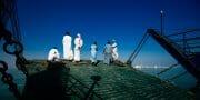 Oman /  [heading for the shore.jpg nggid03710 ngg0dyn 180x0 00f0w010c010r110f110r010t010]