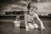 Portraits – Children /  [at play on the beach 2.jpg nggid03342 ngg0dyn 180x0 00f0w010c010r110f110r010t010]