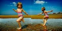 Portraits – Children /  [at play on the beach 4.jpg nggid03341 ngg0dyn 200x0 00f0w010c010r110f110r010t010]