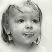 Portraits – Children /  [bath time.jpg nggid03368 ngg0dyn 180x0 00f0w010c010r110f110r010t010]