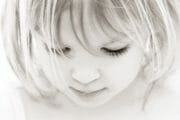 Portraits – Children /  [dont look up 2.jpg nggid03335 ngg0dyn 180x0 00f0w010c010r110f110r010t010]