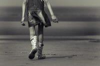 Portraits – Children /  [down to the water.jpg nggid03353 ngg0dyn 200x0 00f0w010c010r110f110r010t010]