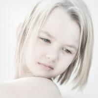 Portraits – Children /  [dreaming of.jpg nggid03401 ngg0dyn 200x0 00f0w010c010r110f110r010t010]