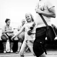 Street Photography /  [chewing a wasp.jpg nggid03151 ngg0dyn 200x0 00f0w010c010r110f110r010t010]