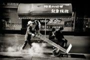 Street Photography /  [dalian street scene 2.jpg nggid03112 ngg0dyn 180x0 00f0w010c010r110f110r010t010]