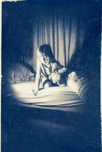 The Monster Under The Bed /  [15.jpg nggid041672 ngg0dyn 200x0 00f0w010c010r110f110r010t010]