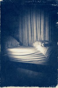 The Monster Under The Bed /  [20.jpg nggid041677 ngg0dyn 200x0 00f0w010c010r110f110r010t010]