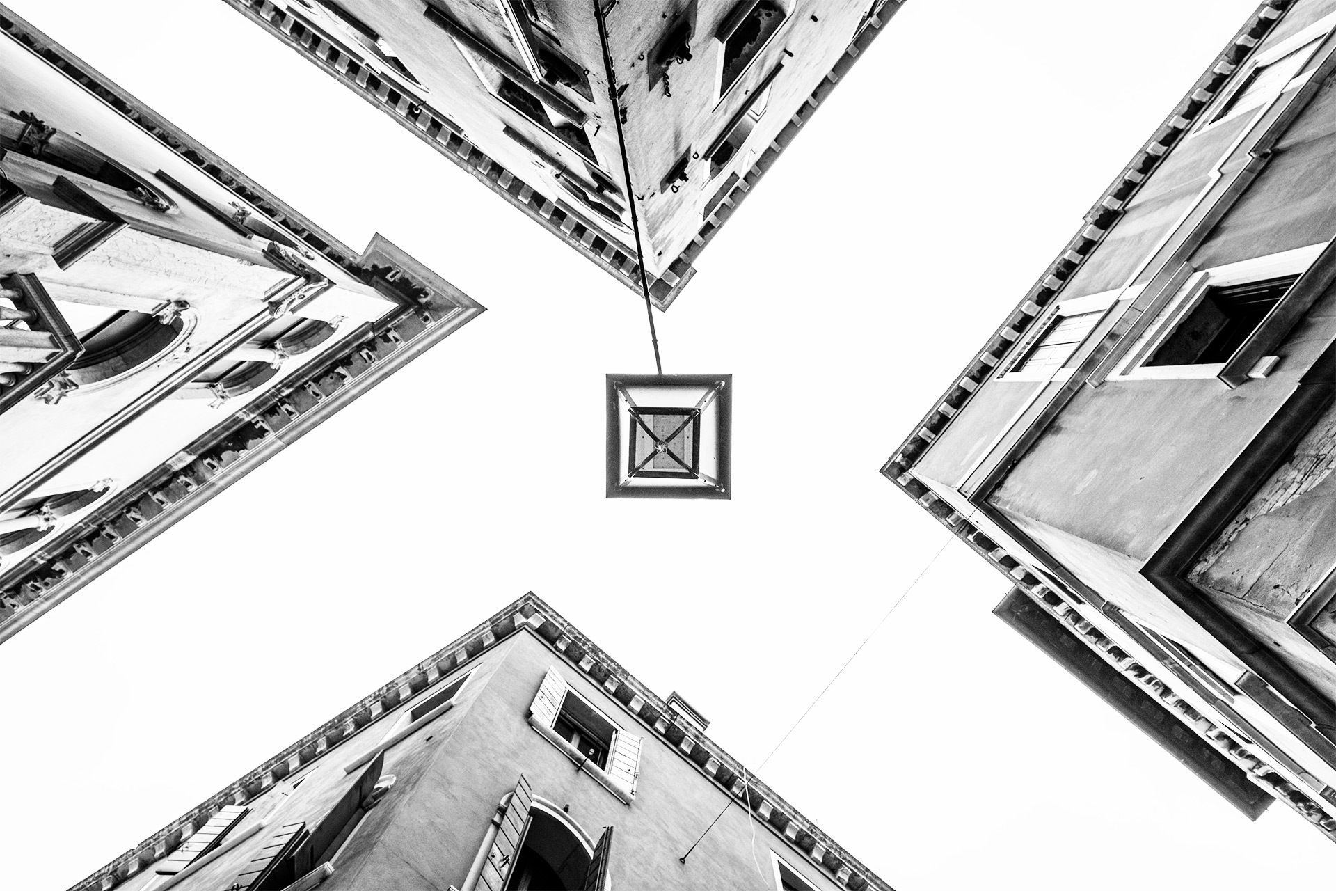 Composition 101 / Show the Original, Photography, Fujinon XF 16-55mm f/2.8, Fujifilm X-T2, Black & White, Architectural Photography [composition 101 f]