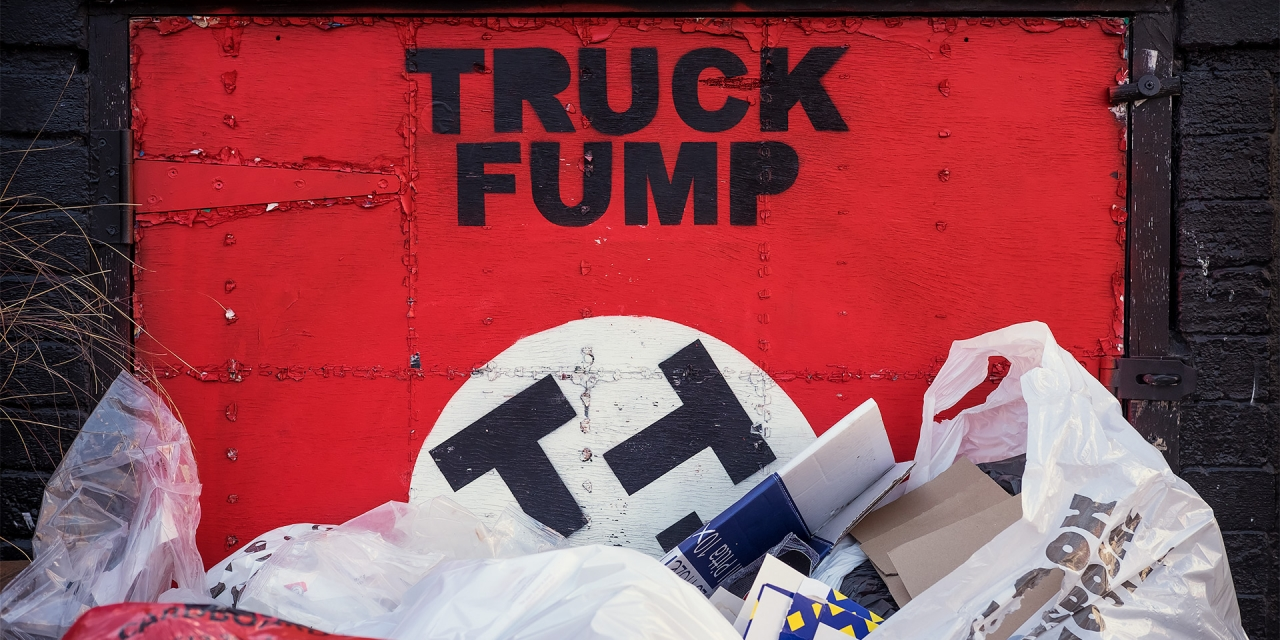 Truck Fump / Street Photography, Show the Original, Photography, Fujinon XF 35mm f/2, Fujifilm X-T1 [truck fump final 1280x640]