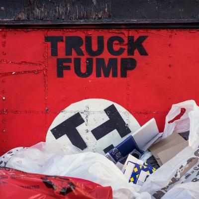 Photoblog Thumbnails /  [truck fump final 400x400]