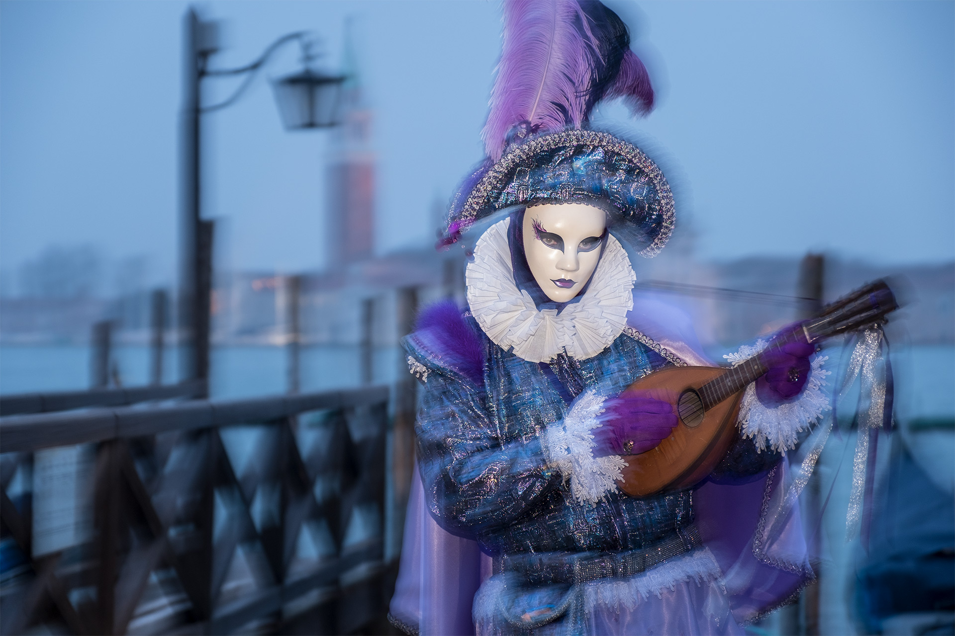 Venice Carnival Photo Tour, 2017 #1 / Venice Carnival Photo Tour, Venice, Show the Original, Fujinon XF 16-55mm f/2.8, Fujifilm X-T2, Drag the Shutter [venice carnival photo tour 2017 1 o]